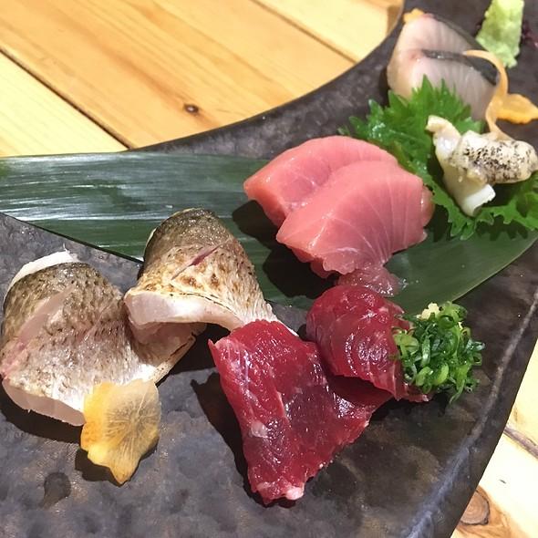 assorted sashimi @ 銀座船形