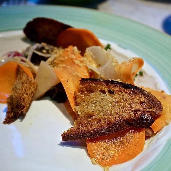 Pickled & fermented kale, beech mushrooms, beets, carrots, radish, crostini