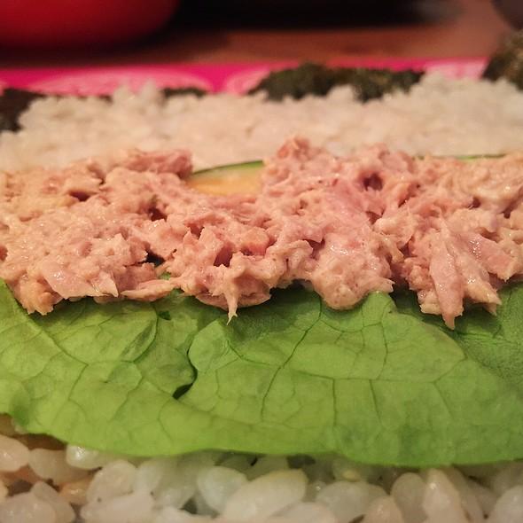 Norimaki With Tuna And Veggies @ ./lsd Cooking Pot