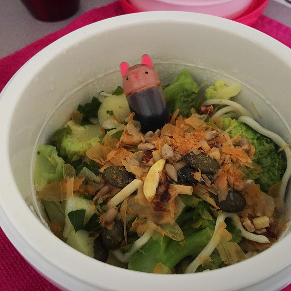 Broccoli, Potato And Noodles (With Katsubushi) @ ./lsd Cooking Pot