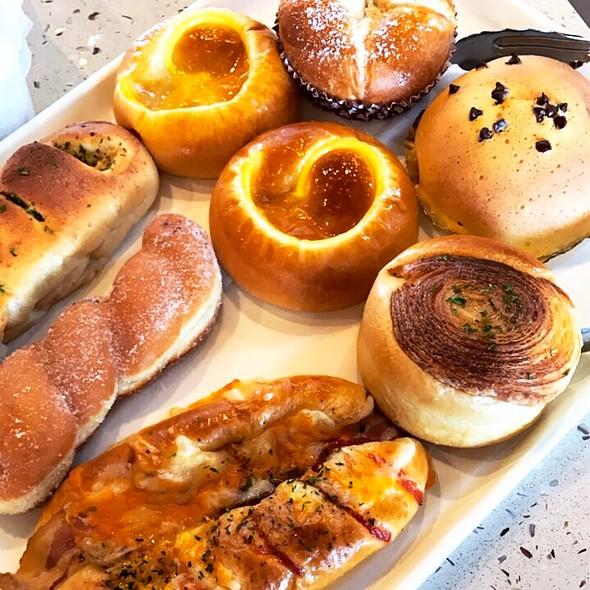 Misc Pastries @ Sunmerry Edison