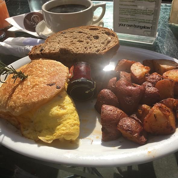 Chicken Pot Pie Omlette @ Alcove Cafe & Bakery