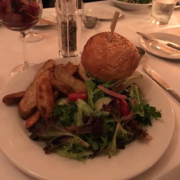 Burger @ SoBo Cafe