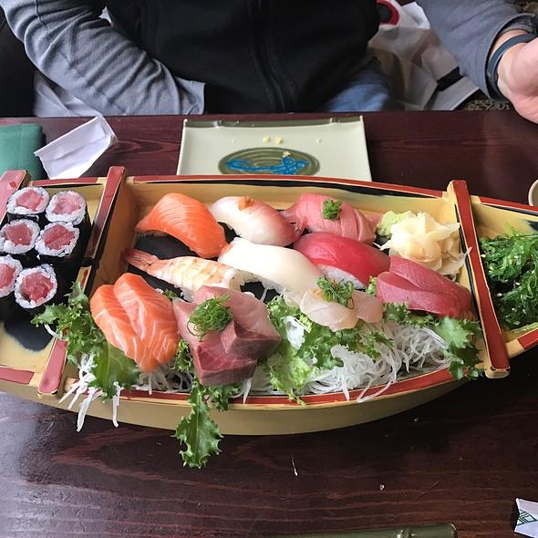 Sushi Boat (various Sushi) @ Nanami Cafe