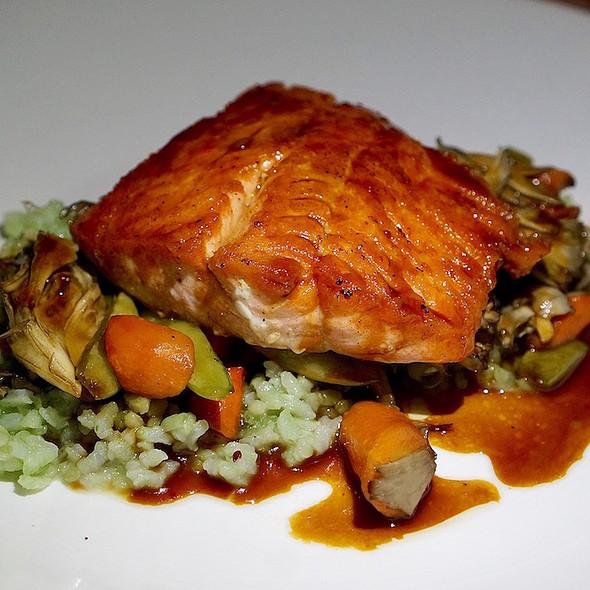 Line-caught Alaskan salmon, honey miso glaze, bamboo rice, thumbelina carrots, snap peas, maiitake mushrooms