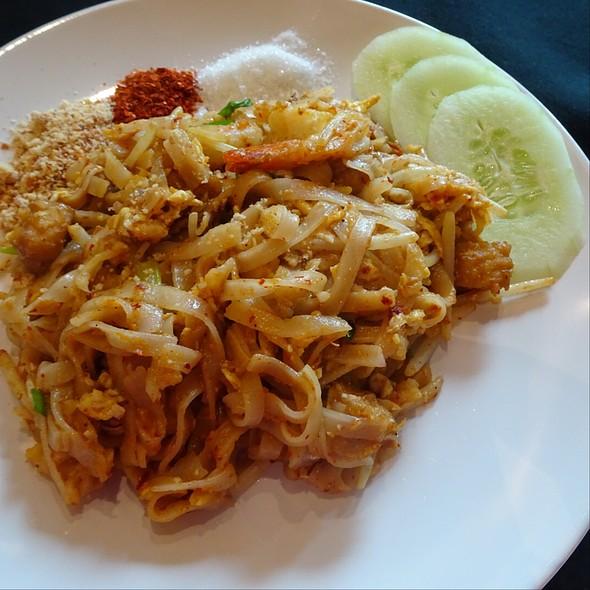 Pad Thai @ Salt And Spice