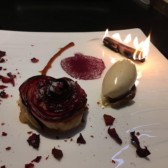 Apple Rose Dessert
