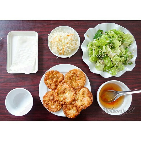 Da Nang Style Banh Tom (Shrimp Fritters Or Shrimp Cakes) @ Banh Tom Ba Phuc