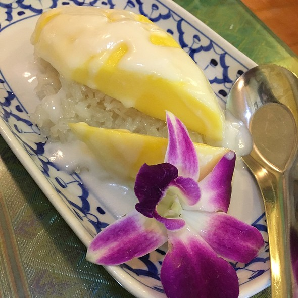Mango With Sticky Rice @ Queen of Curry