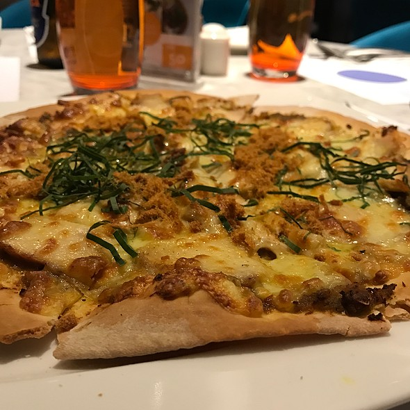 Chicken Rendang Pizza @ Novotel