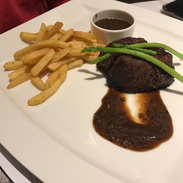 Steak And Chips With Pepper Sauce @ Novotel