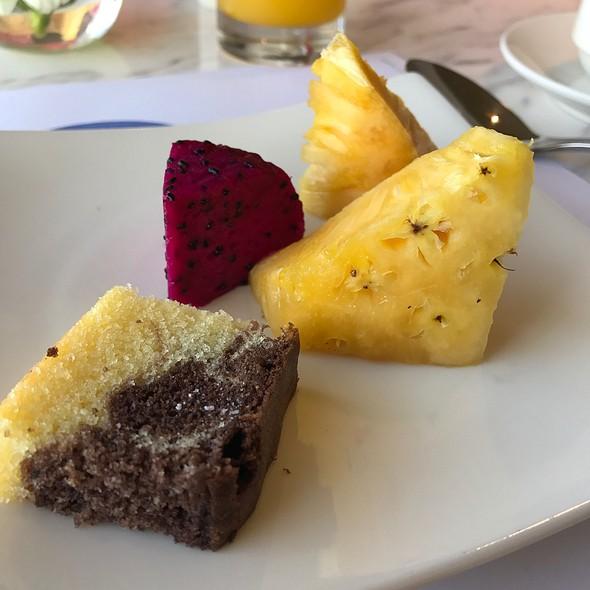 Fruit and Cake @ Novotel