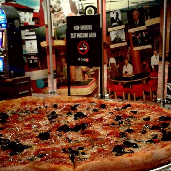 New York Pizza @ Pizza Lotto El Cortez Casino