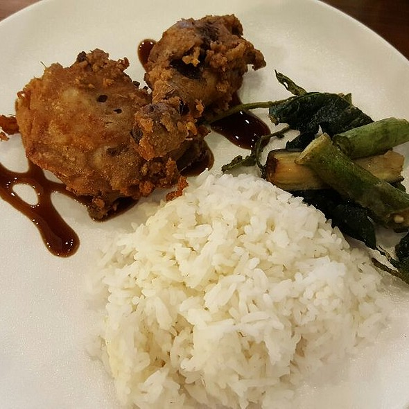 Sinigang Fried Chicken @ Alek