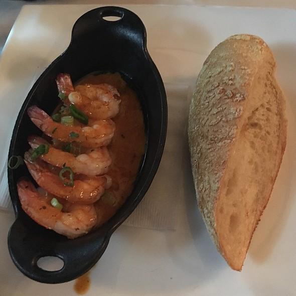 Shrimp In A Wine, Garlic, Creole Butter Sauce