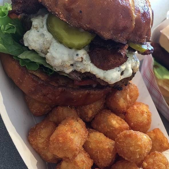 Blue Cheese Burger @ Big Ed's Kitchen