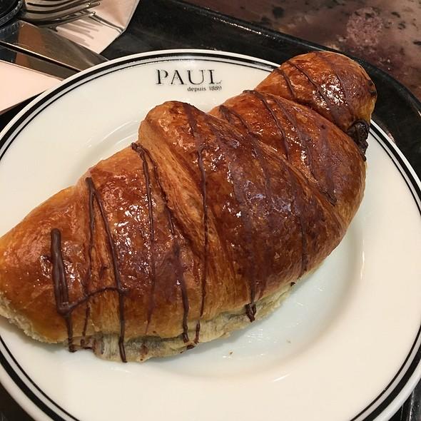 Chocolate Croissant @ Paul