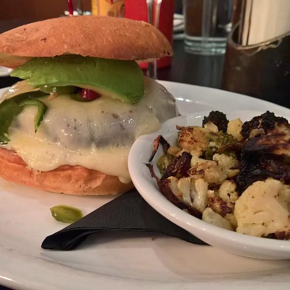 Betsy's Veggie @ 24 Diner