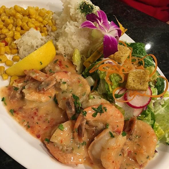 Garlic Shrimp @ Blue Water Shrimp & Seafood Co