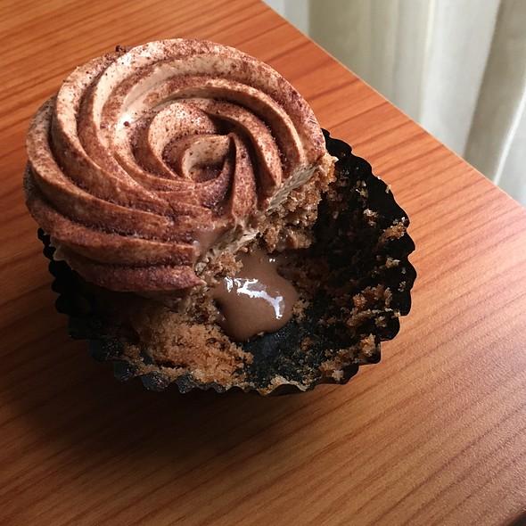 Triple Milo Cupcake @ Fluff Bakery