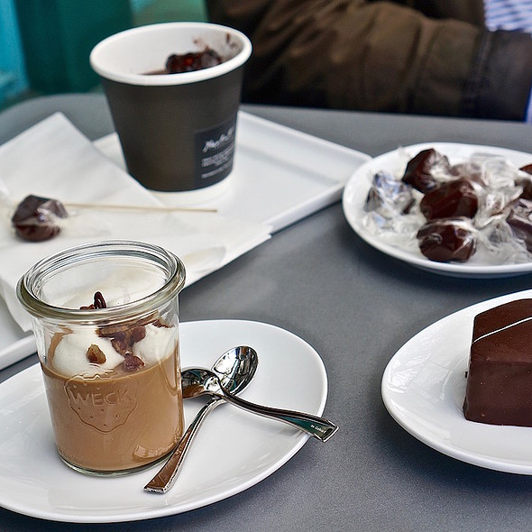 Drinking chocolate and desserts