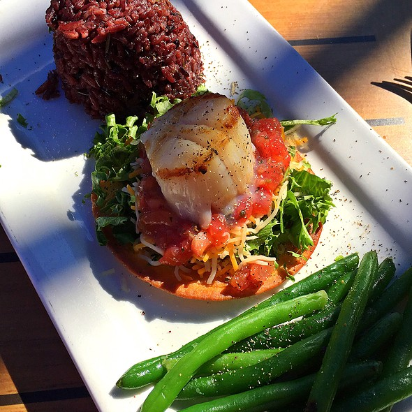 Scallop Tostada With Spicy Rice And Green Beans @ The Reef
