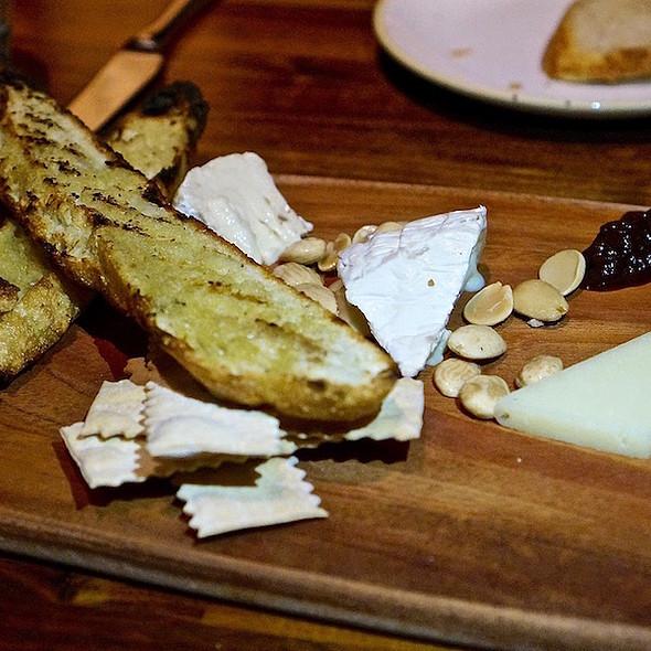 Sonoma County cheese board. marcona almonds, onion jam, grilled bread