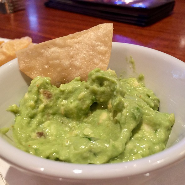 Guacamole @ The Lazy Dog Cafe
