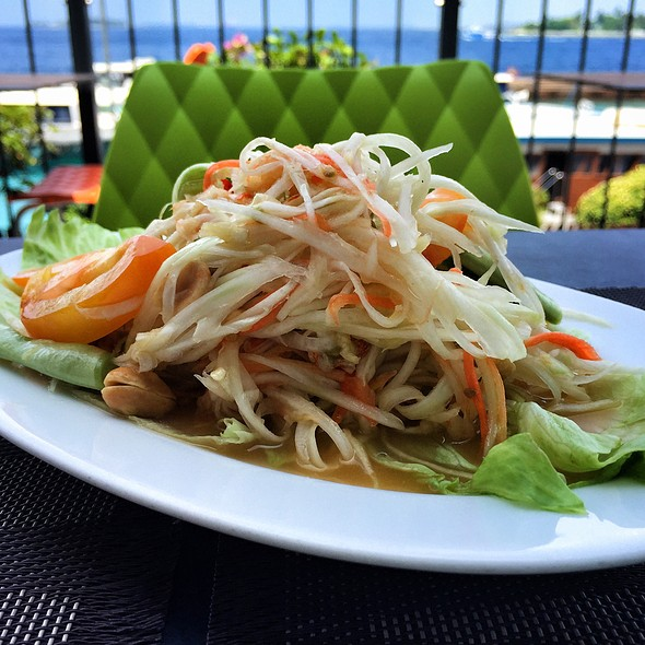 Som Tam (Thai Green Papaya Salad) @ City Garden