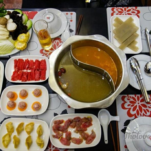 Chinese Hot Pot  @ Four Seasons Restaurant - Sichuan Hot Pot