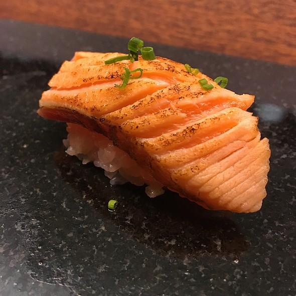 Aburi New Zealand Ora King Sake Nigiri @ Royal Sushi & Izakaya