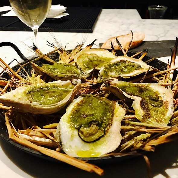Hay Roasted Oysters