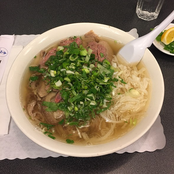 Combination Pho @ Turtle Tower Restaurant