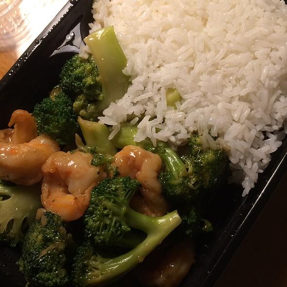 Shrimp With Broccoli