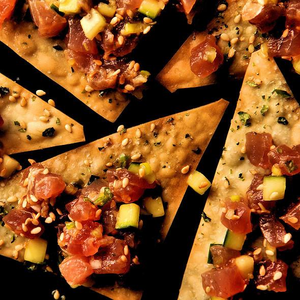 Ahi Tuna Wonton Crisps @ Hula Girl Bar And Grill
