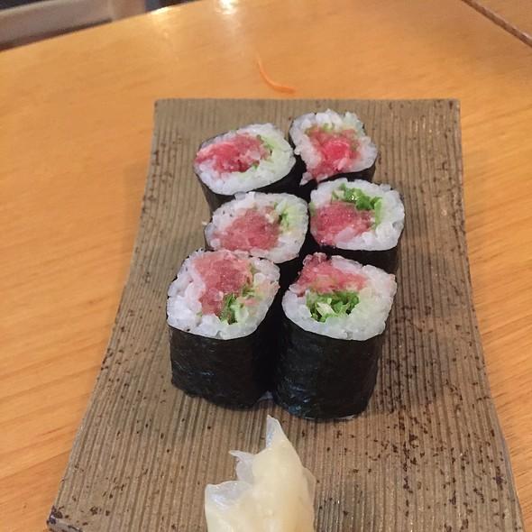 Tuna Belly And Shallots Roll @ Kisuke