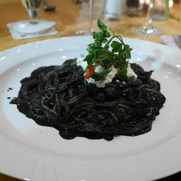 Spaghetti with Squid Sauce