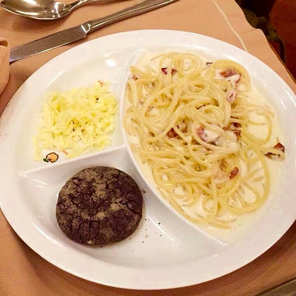 Carbonara And Chocolate Crinkle