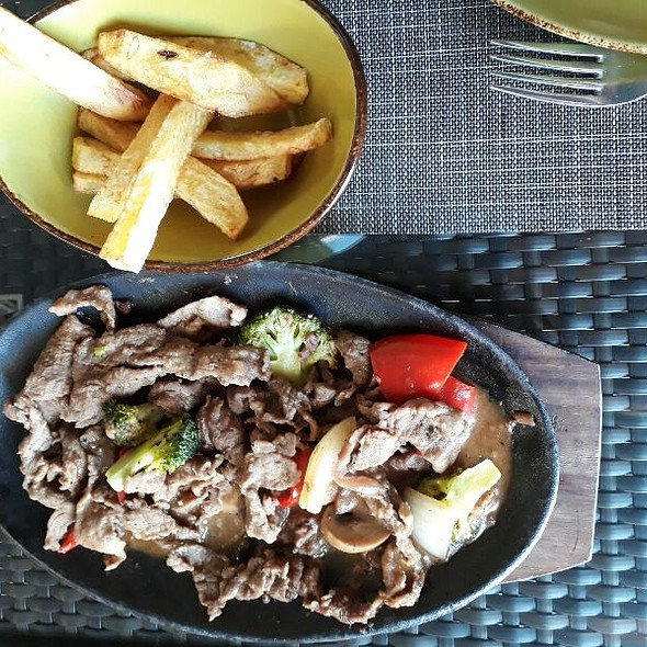 Stir Fried Beef With French Fries