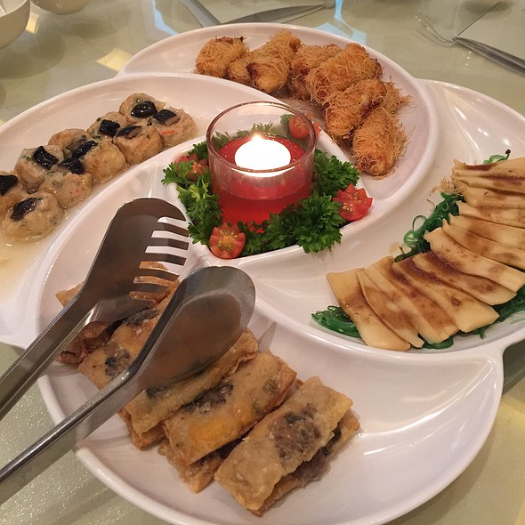Assorted Chinese Appetizers