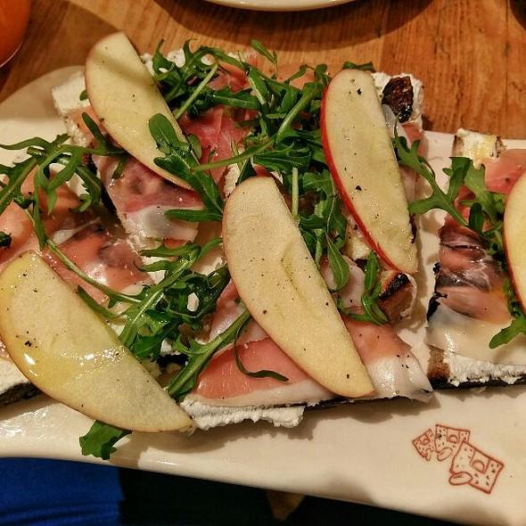 Prosciutto Pear and Fig Tartine