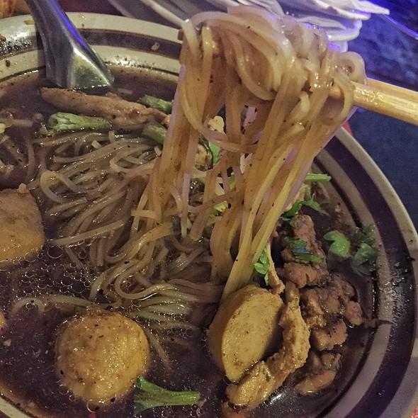 Boat noodles @ Vieng Thai 2000