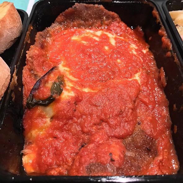 Veal Parmigiana (Mozzarella, Eggplant, Parmesan Cheese, Napolitana Sauce)
