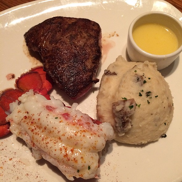 Sirloin And Lobster With Mashed Potatos
