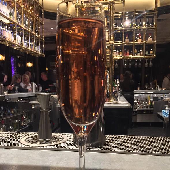 Veuve Clicquot Vintage Rosé Champagne