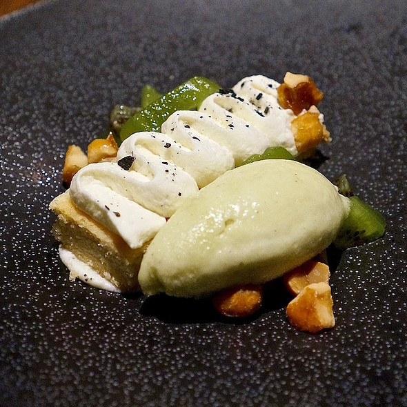 Honey cream shortbread, fresh kiwi, macadamia praline, kiwi sorbet