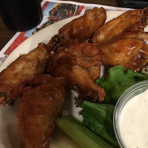 Wings @ Arni's Restaurant