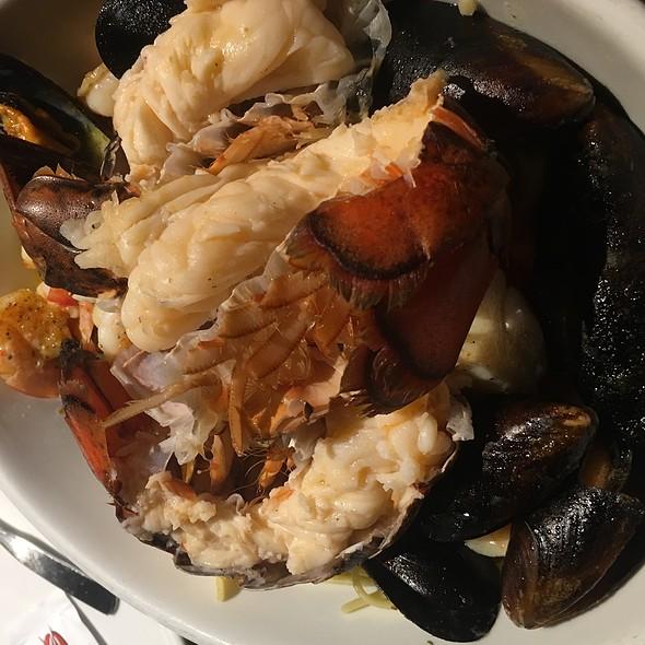 Bar Harbor Lobster Bake @ Red Lobster