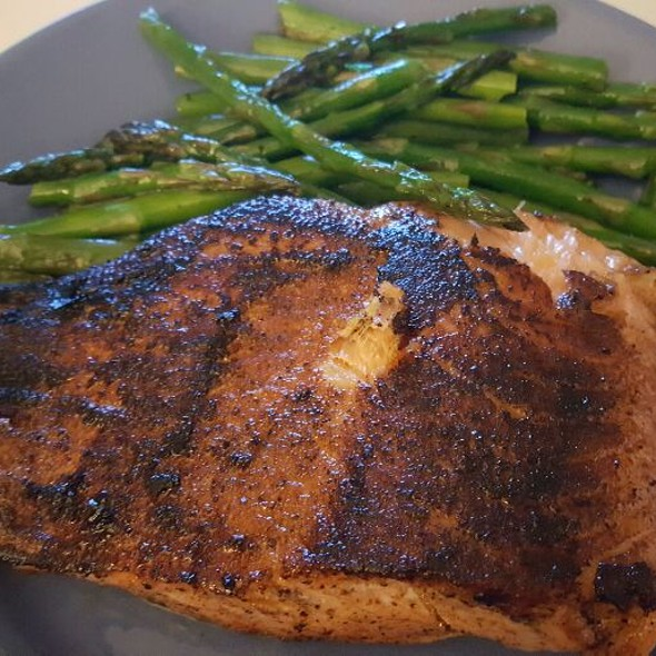 Pan Seared Salmon With Asparagus