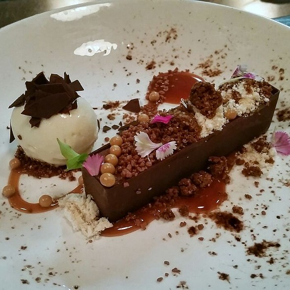 """Snickers"" Bar @ Social Eating House and Bar"